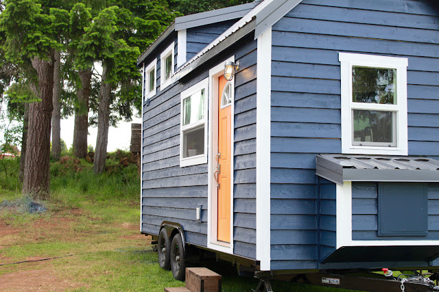 Craftsman tiny house by Tiny Heirloom