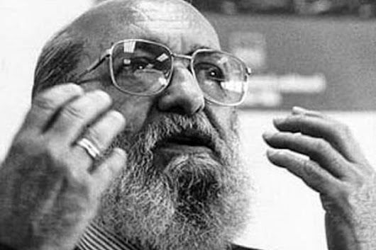 freire Paulo freire and the role of critical pedagogy critical pedagogy is a teaching method that aims to help in challenging and actively struggling against any form of social oppression and the related customs and beliefs.