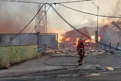 Pabrik Pengolahan Kayu Di Kota Probolinggo Ludes Terbakar