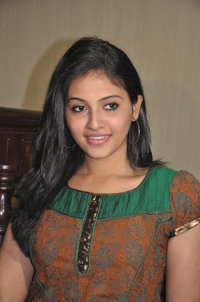 Desi Girl Hd Wallpaper Top 120 Andhra Pradesh Girl Facebook Beautiful Hd Photos