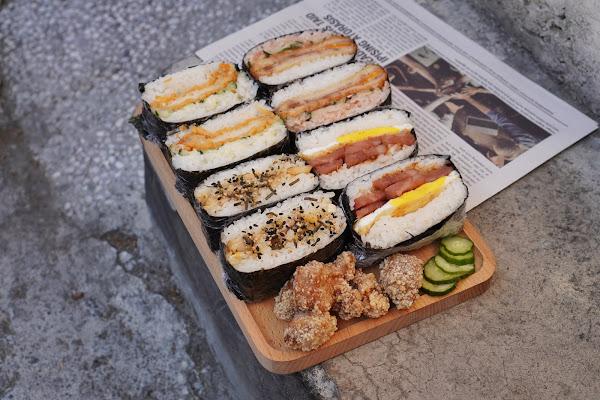 台南東區美食【飯賣集糰】餐點介紹-飯糰跟鹹酥雞