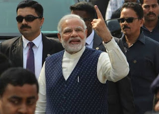 prime-minister-modi-wins-in-the-queue-with-the-general-voters