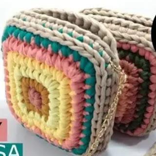 Bolso Cuadrado en Trapillo a Crochet