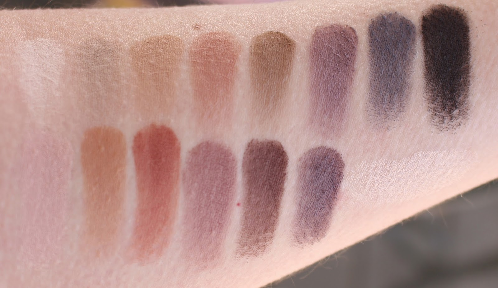 Naturally Pretty Essentials Matte Luxe Transforming Eyeshadow Palette by IT Cosmetics #4
