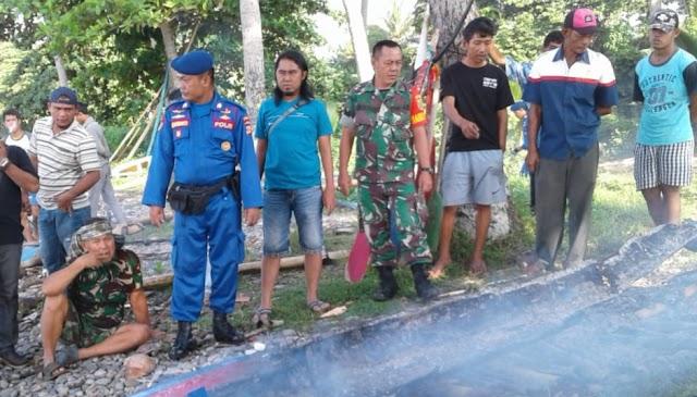 Perahu Nelayan Pekon Kerta Terbakar, Inafis Polres Tanggamus Olah TKP