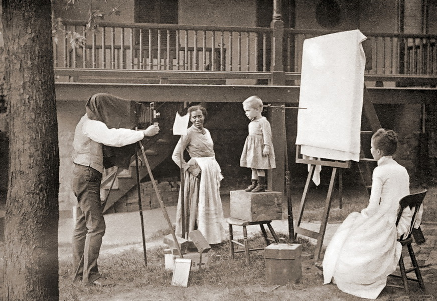 In the Victorian Era, Posing Stands Were Used for the Living, And Never to Pose a Dead Person