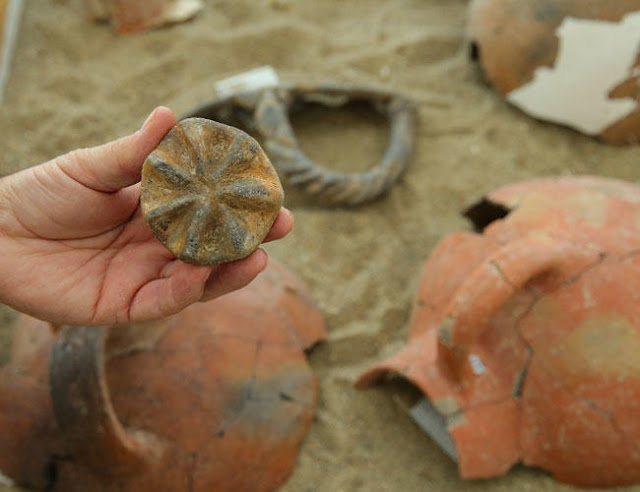 8,000-year-old seal unearthed in Turkey