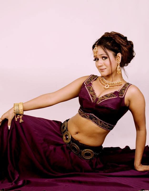 Gunjan Pant Hot Wallpapers - Latest Bhojpuri Heroine Gunjan Pant Hot Photos, Pics, Image