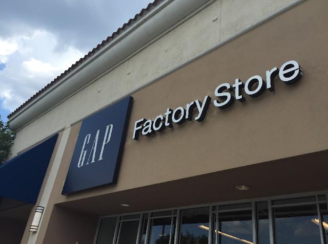 Compras nas lojas da Gap em Miami