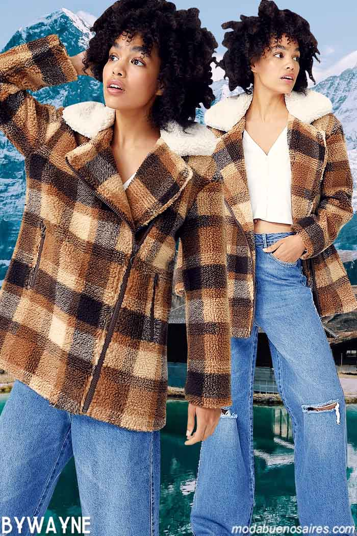 Camperas a cuadros con cuello corderito moda y jeans oxfords urbanos 2021 mujer invierno 2021