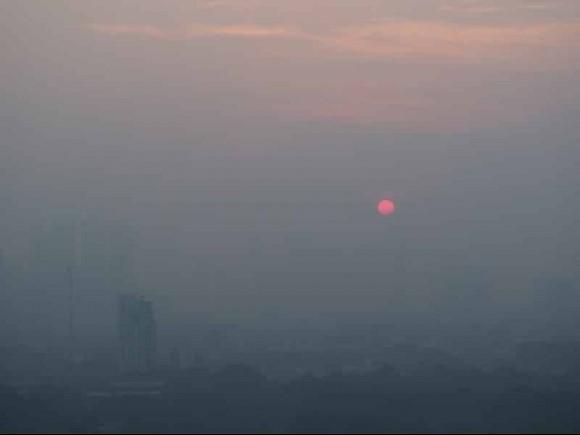 Hà Nội ô nhiễm không khí ở mức báo động: Làm sao để ngăn ngừa hiểm họa?