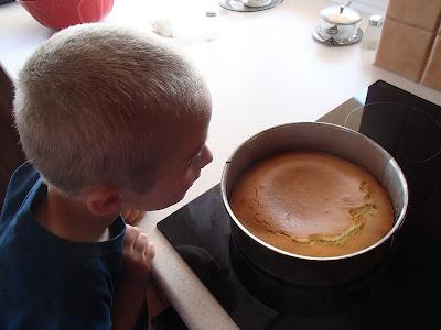 Engish Day, dzień angielski w szkole, przepis na ciasto, angielskieciasto z truskwakami