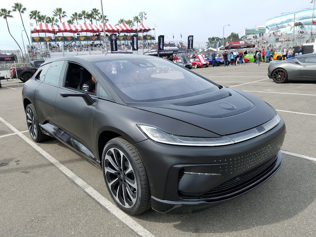 The autonomous and electric future of Faraday Future looks impressive in vivo: this is the FF91 in matte black