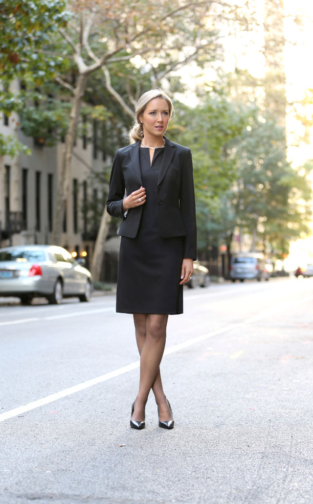What A Young Woman Should Wear To An Interview