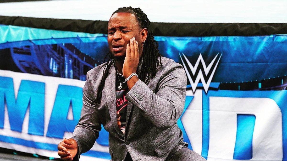 Reginald conquista o WWE 24/7 Championship
