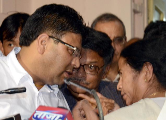 West Bengal Chief Minister Mamata Banerjee and Roshan Giri (left) General Secretary GJM