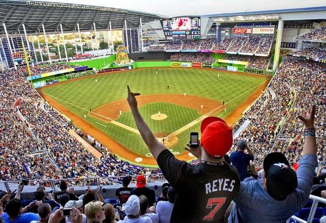 Estádio de Beisebol Marlins Park em Miami