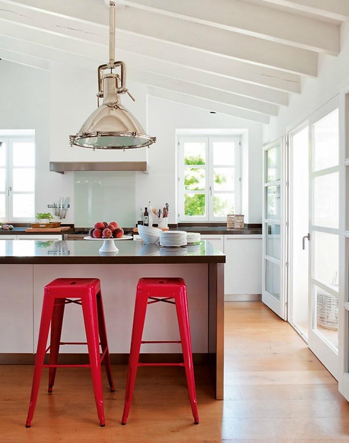 Medidas y consejos para instalar una barra en la cocina - Dimensiones muebles cocina ...
