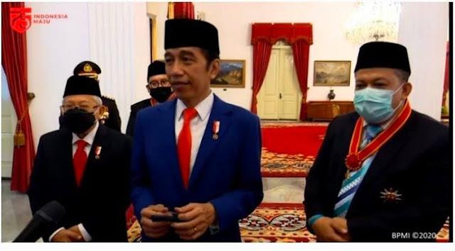 Fadli-Fahri Terima Tanda Kehormatan, Jokowi: Berlawanan Politik Bukan Berarti Bermusuhan