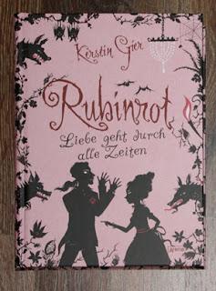 http://steffis-und-heikes-lesezauber.blogspot.de/2013/08/re-read-rezension-rubinrot-liebe-geht.html