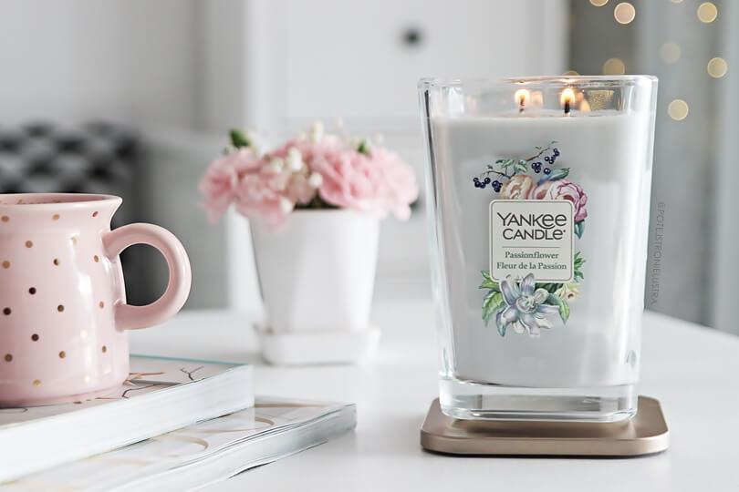 yankee candle passionflower świeca zapachowa na tle białego mieszkania