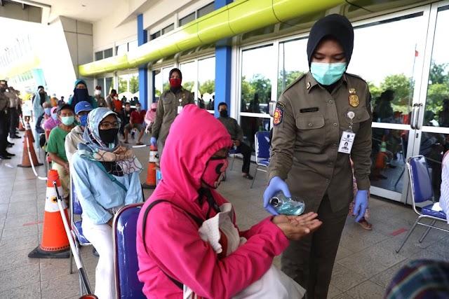 Release : Pembelian Offline di Outlet Lumbung Pangan Jatim Tetap Terapkan Protokol Kesehatan