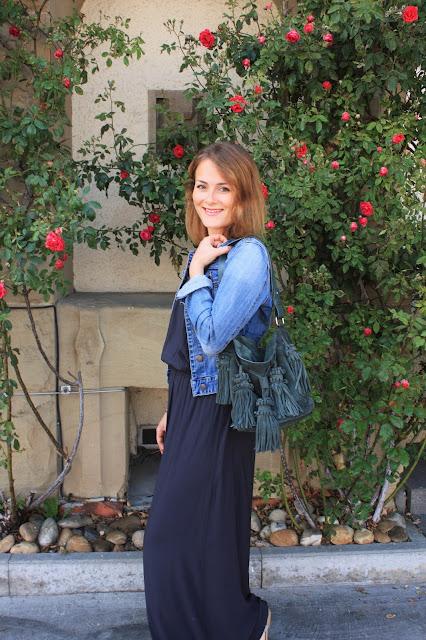 Maxikleid im Styling zu Jeansjacke: Stuttgart Blogger
