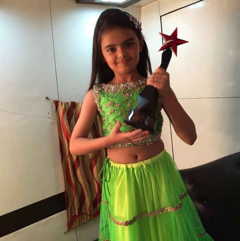 Foto Ruhanika Dhawan_Pemeran Ruhi Raman Bhalla_Serial Mohabbatein ANTV_Cantik Imut Cerdas_enam belas
