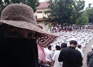 Hanya Neo Komunis Lah Yang Menolak & Membakar Baliho HRS!