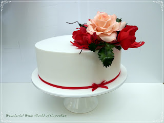 single layer wedding cake pictures wonderful world of cupcakes single tier wedding cake 20139