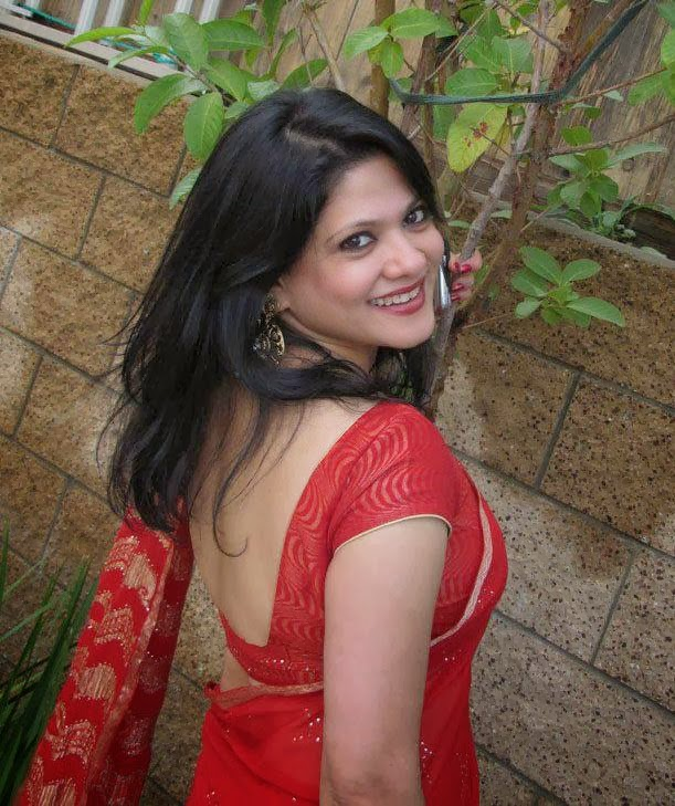 Desi Girl Photo: Desi Girl And Bhabhi Shows Her Beautifal