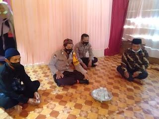 Bripka Suhardiansa Laksanakan Sambang Di Kampung Tangguh Desa Binaannya