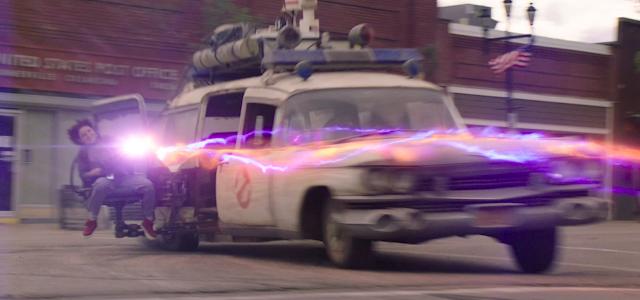 Icônica arma de prótons na nova imagem de Caça-Fantasmas: Mais Além