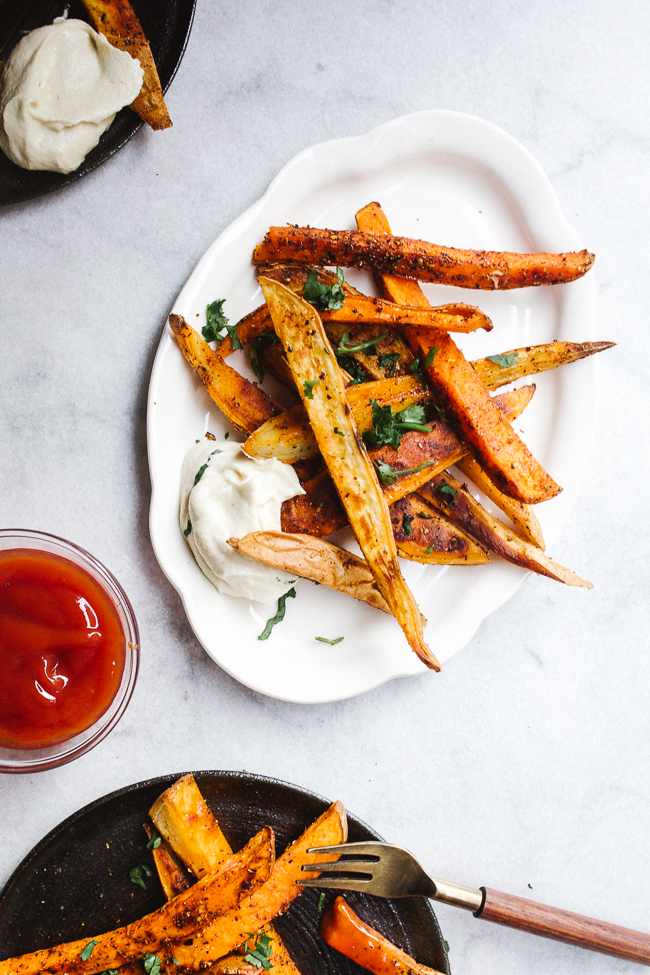 Harissa Fries with Cashew Mayo