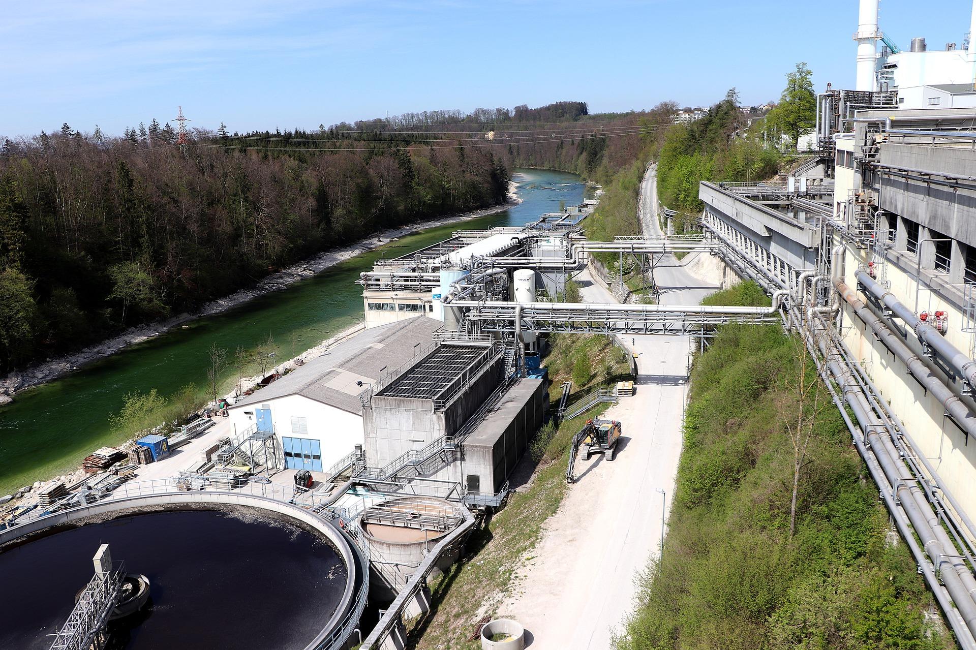 Funcionamento de reservatórios e elevatórias de água tratada