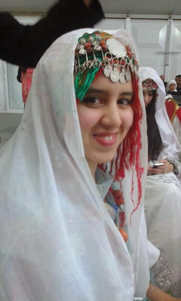 اللباس الأمازيغي المغربي الدي يحكي حضارة المغرب العريق