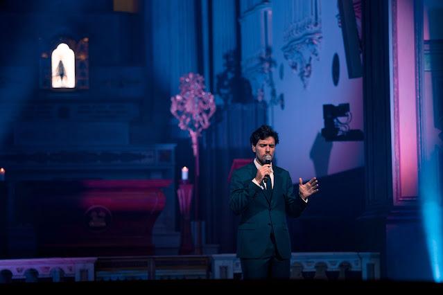 Thiago Arancam se apresenta no ''Sábado com Maria'', da TV Aparecida