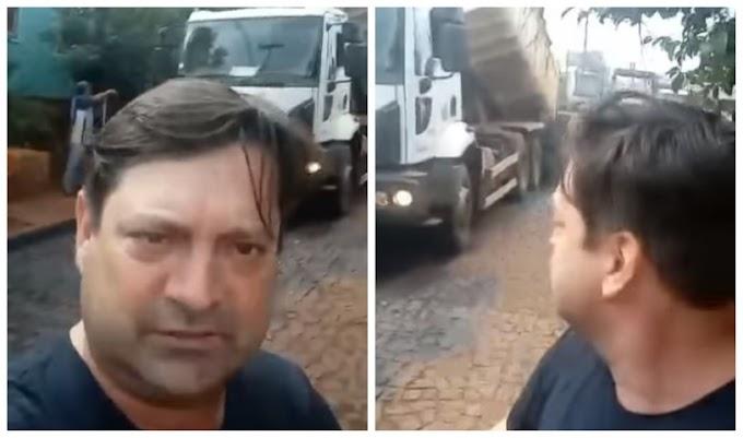 Quedas do Iguaçu: Prefeito Elcio Jaime acompanha serviço de asfalto e escoamento de água no bairro Vila Dias