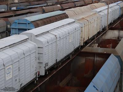 Wagon kryty budowy specjalnej z odsuwanymi ścianami serii Hbikklls