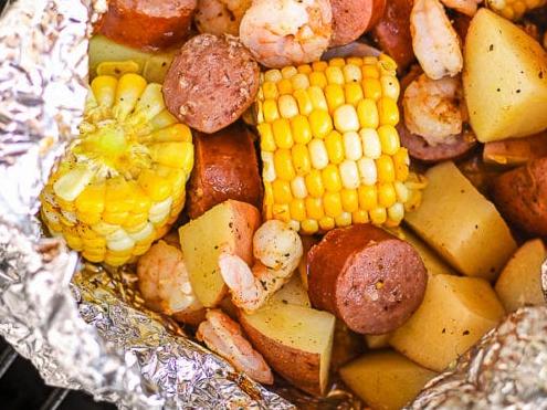 Cajun Shrimp Foil Packets #vegetarian #vegan #easy #breakfast #food