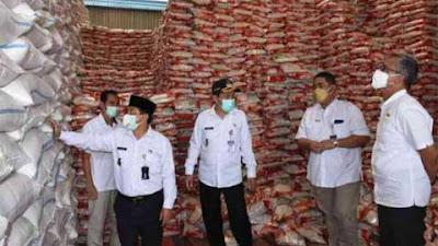 Tiap Keluarga di Wonosobo Terima Beras 10 Kg
