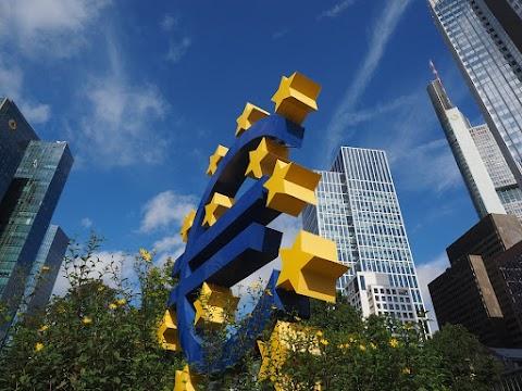Megerősítette szándékát a laza monetáris politika folytatása mellett az EKB