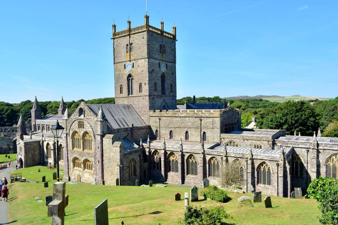 st david, wales, travel, britain, europe, travelling, church, cathedral, dragon,