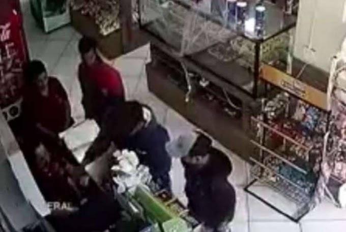 Vilhena - Ladrões armados assaltam padaria no centro da cidade; mulher teve todas as jóias levadas pelos bandidos