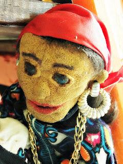 """""""O Pirata Cigano"""" - Bonecos do Mundo, Grupo Só Rindo Bonecos da Montanha"""