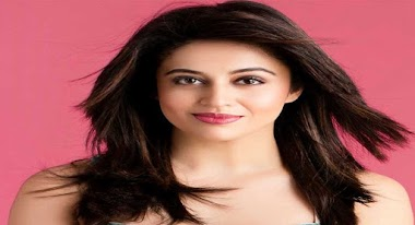 Neha Pendse Biography - Age, Facts, Childhood, Family & More