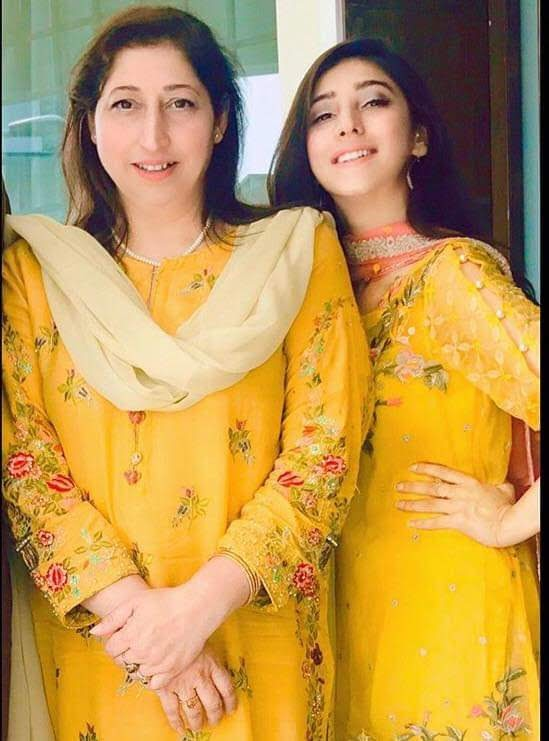 Pakistani Celebrities share pictures with their mothers