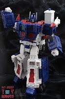 Transformers Kingdom Ultra Magnus 13