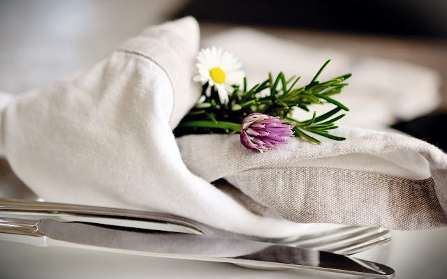 How To Set The Table For The Service Of The Seder On The Eve Of Pesach   Passover Dish   Kosher Diet Food
