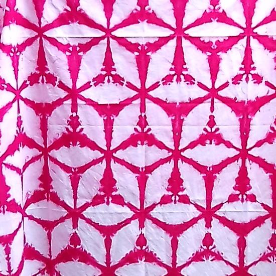 Kain Shibori Warna Pink Cerah Menawan